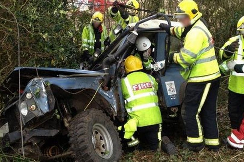 safety devices land rover defender crash